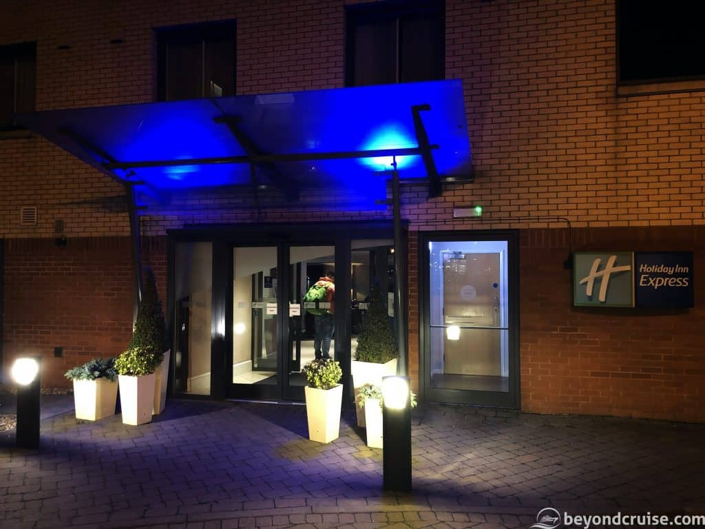 Luton Airport Holiday Inn Express