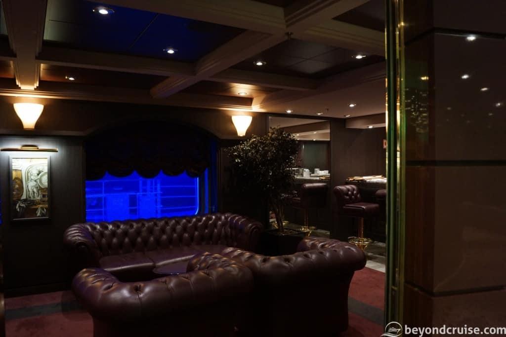 MSC Magnifica Cuba Lounge inside
