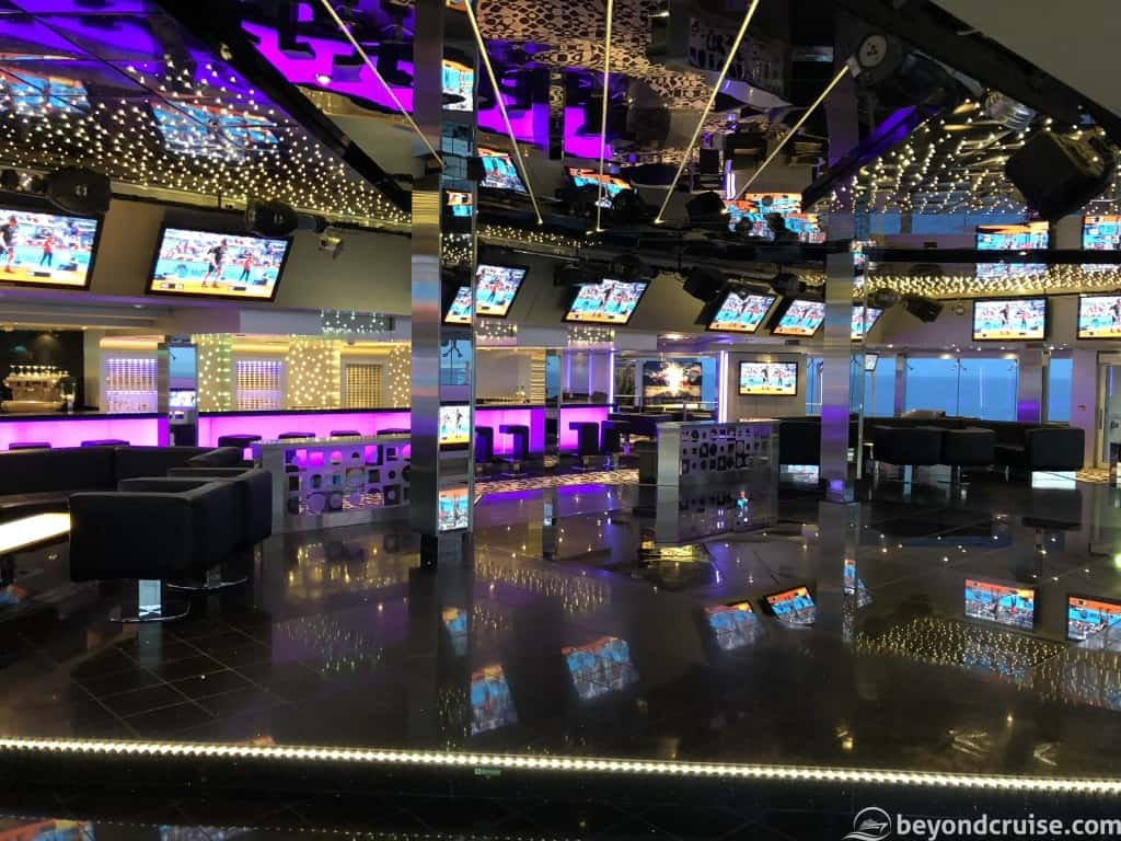 MSC Magnifica T32 nightclub