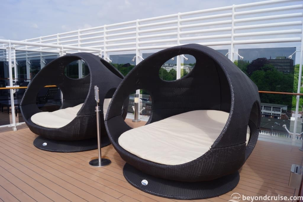 MSC Magnifica two person cabana-style seating on Top 16