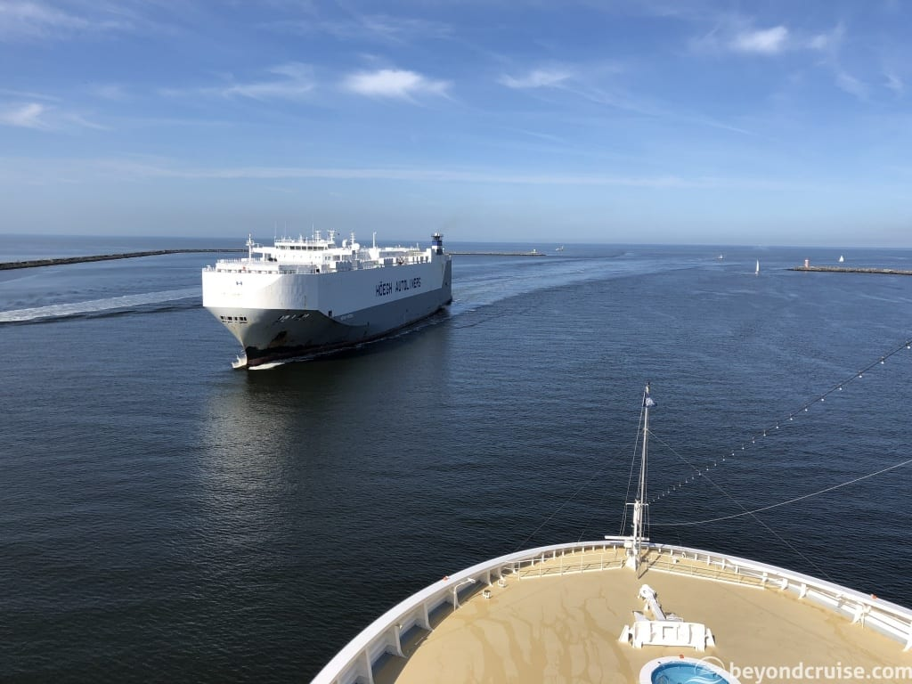 MSC Magnifica with ship approaching