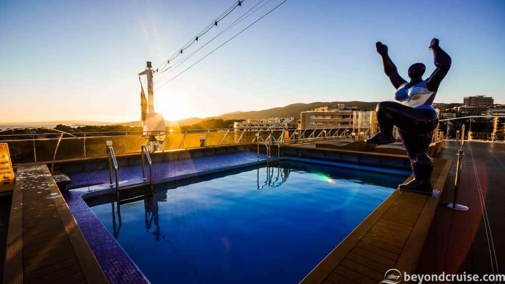 MSC Meraviglia Horizon Pool