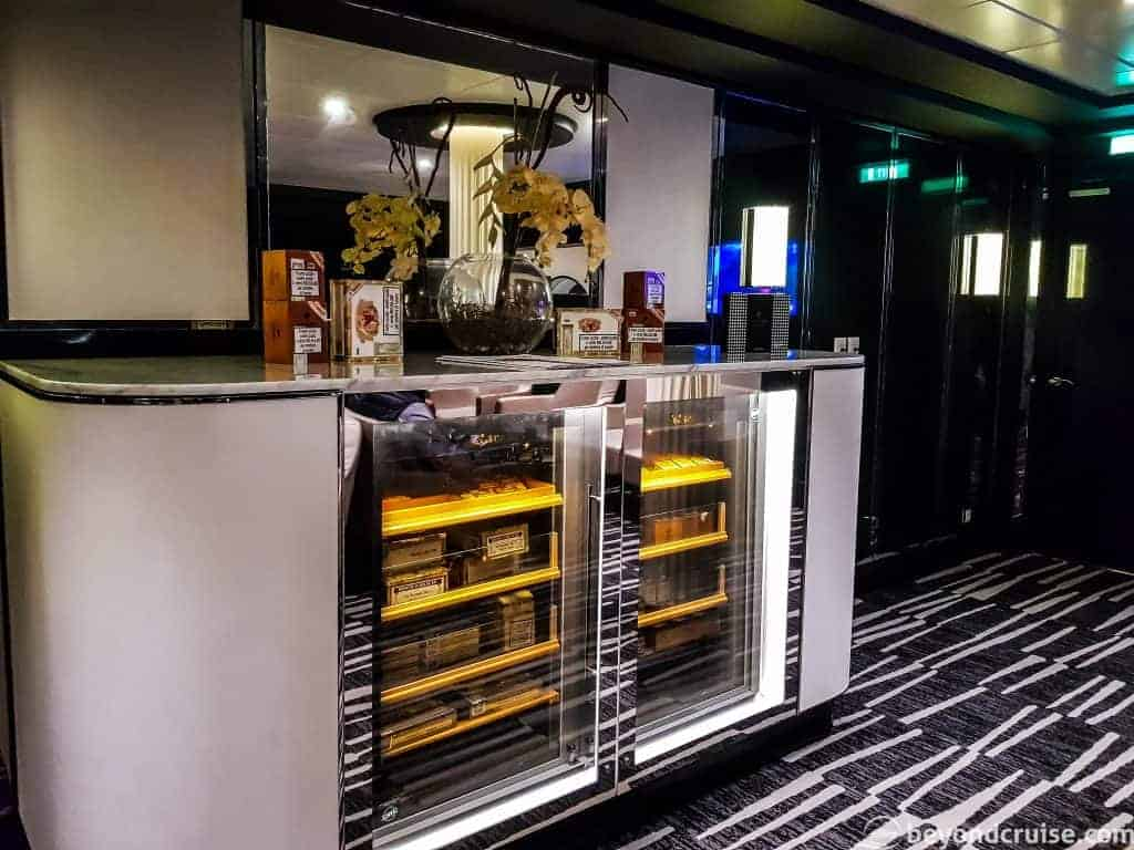 MSC Meraviglia Cigar Lounge