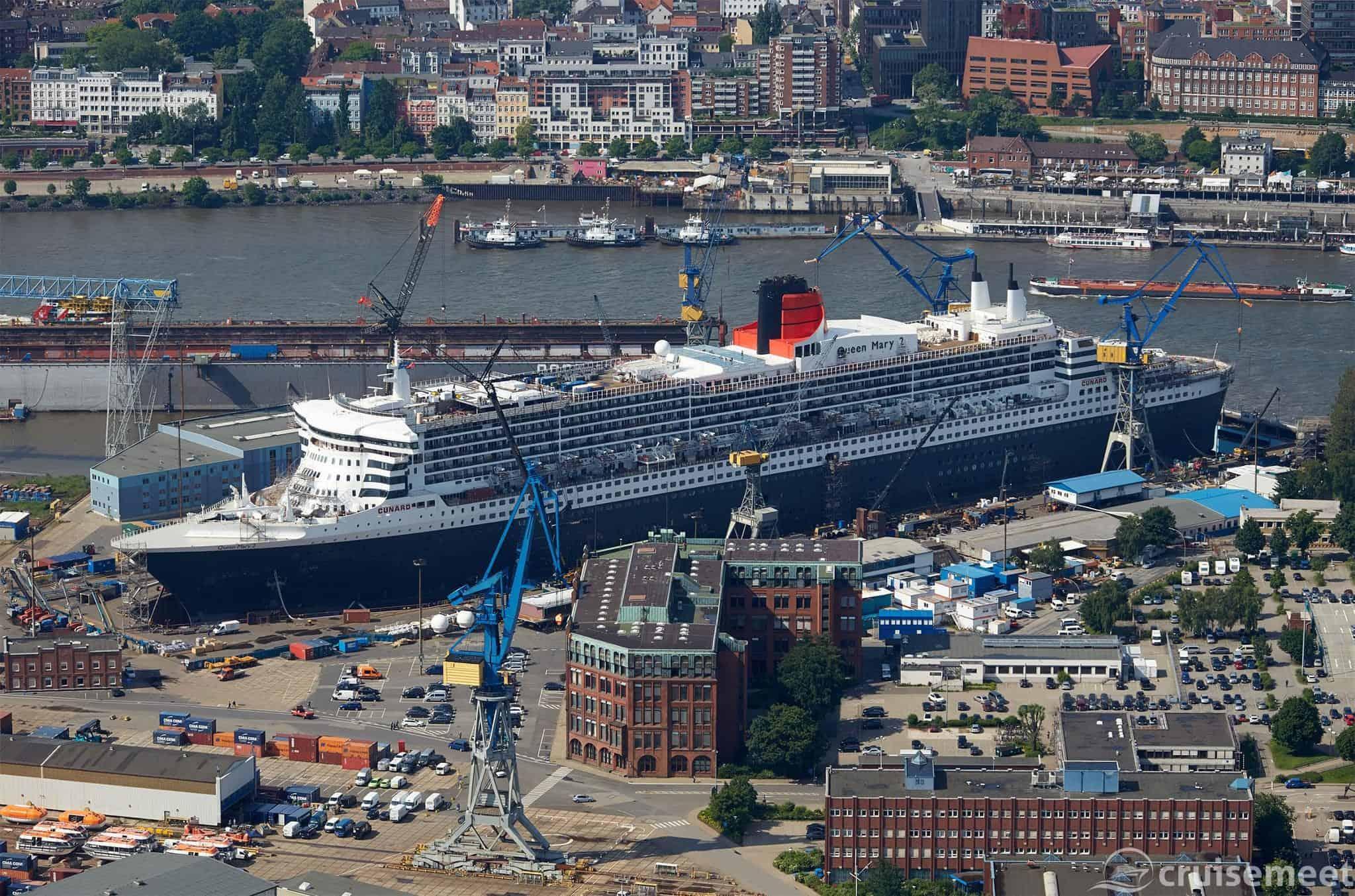 Queen Mary 2 in Drydock Elbe 17, Hamburg