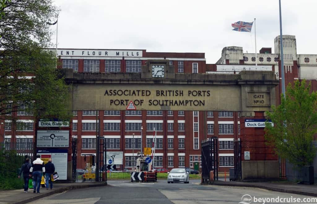 Southampton Dock Gate 10